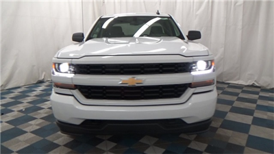 2018 Silverado 1500 Extended Cab 4x4 Pickup #T180171 - photo 3