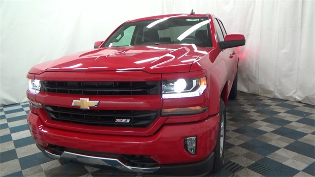 2018 Silverado 1500 Extended Cab 4x4 Pickup #T180172 - photo 5