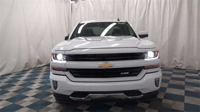 2018 Silverado 1500 Extended Cab 4x4 Pickup #T180188 - photo 3