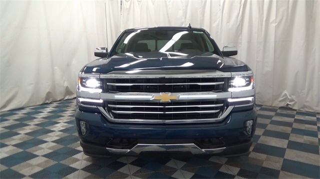 2018 Silverado 1500 Crew Cab 4x4, Pickup #T180208 - photo 4