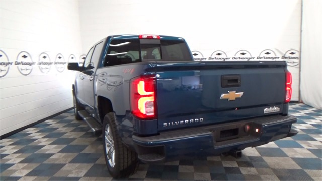2018 Silverado 1500 Crew Cab 4x4, Pickup #T180208 - photo 2