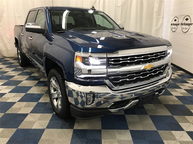 2018 Silverado 1500 Crew Cab 4x4 Pickup #T180232 - photo 1