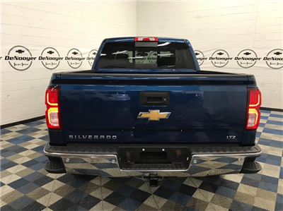 2018 Silverado 1500 Crew Cab 4x4 Pickup #T180232 - photo 6