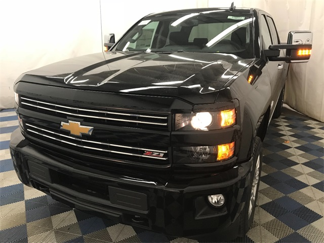 2018 Silverado 2500 Crew Cab 4x4 Pickup #T180234 - photo 4