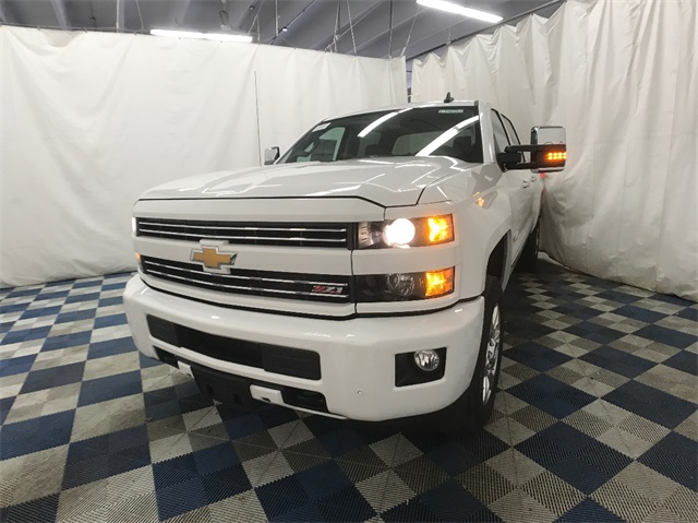 2018 Silverado 2500 Crew Cab 4x4, Pickup #T180235 - photo 4