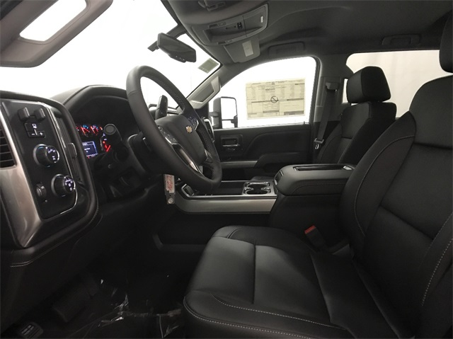 2018 Silverado 2500 Crew Cab 4x4, Pickup #T180240 - photo 19