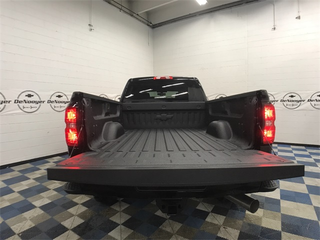 2018 Silverado 2500 Crew Cab 4x4, Pickup #T180240 - photo 9