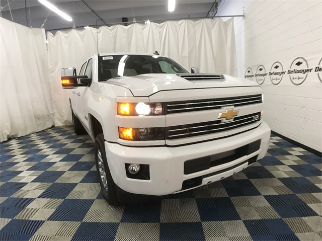 2018 Silverado 3500 Crew Cab 4x4, Pickup #T180249 - photo 3