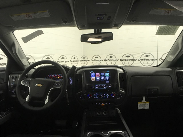 2018 Silverado 3500 Crew Cab 4x4, Pickup #T180249 - photo 21