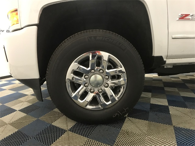 2018 Silverado 3500 Crew Cab 4x4, Pickup #T180249 - photo 6