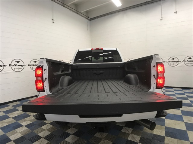 2018 Silverado 3500 Crew Cab 4x4, Pickup #T180249 - photo 9