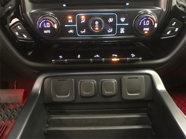 2018 Silverado 1500 Crew Cab 4x4, Pickup #T180287 - photo 28