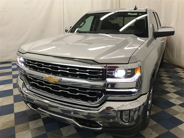 2018 Silverado 1500 Extended Cab 4x4 Pickup #T180331 - photo 1