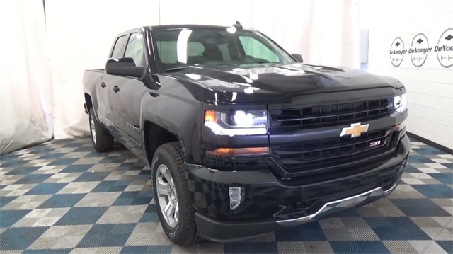 2018 Silverado 1500 Double Cab 4x4, Pickup #T180366 - photo 3