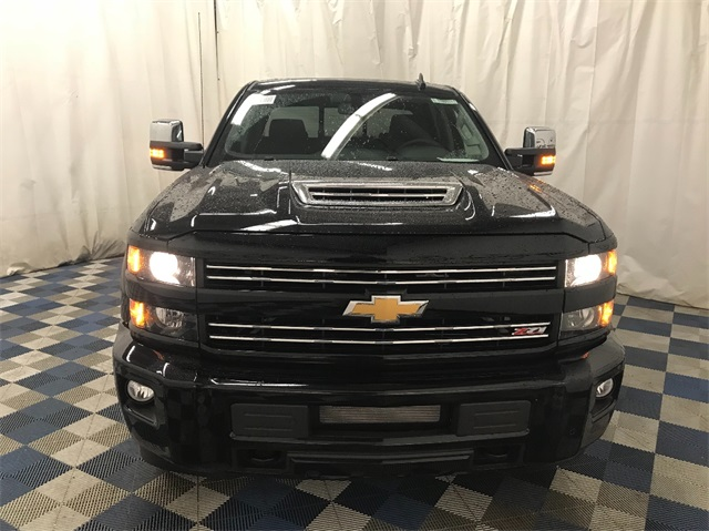2018 Silverado 2500 Crew Cab 4x4 Pickup #T180511 - photo 3