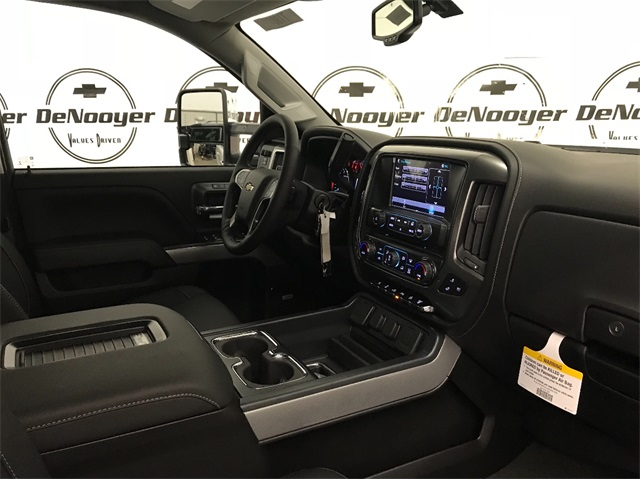 2018 Silverado 2500 Crew Cab 4x4 Pickup #T180511 - photo 21