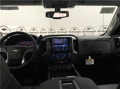 2018 Silverado 2500 Crew Cab 4x4 Pickup #T180511 - photo 18