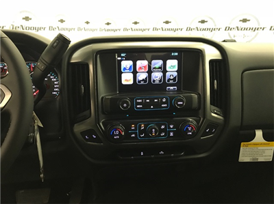 2018 Silverado 1500 Crew Cab 4x4, Pickup #T180522 - photo 14