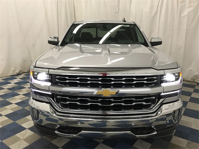 2018 Silverado 1500 Double Cab 4x4, Pickup #T180746 - photo 4