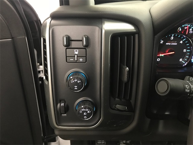 2018 Silverado 2500 Double Cab 4x4, Pickup #T180824 - photo 10