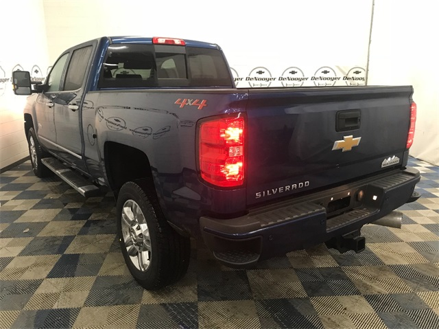 2018 Silverado 2500 Crew Cab 4x4,  Pickup #T180911 - photo 5