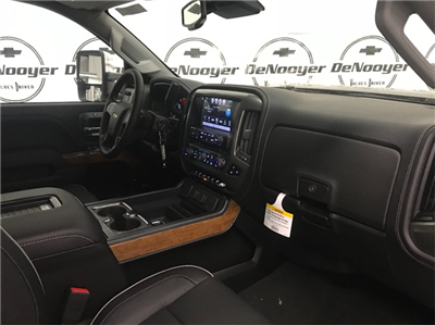 2018 Silverado 2500 Crew Cab 4x4,  Pickup #T180911 - photo 19