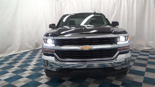2018 Silverado 1500 Double Cab 4x4, Pickup #T180930 - photo 3
