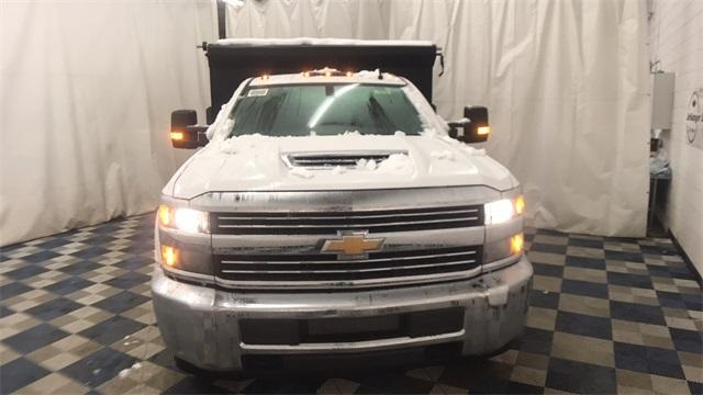 2018 Silverado 3500 Regular Cab DRW 4x4, Dump Body #T181020 - photo 3