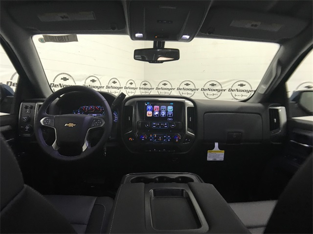 2018 Silverado 1500 Double Cab 4x4, Pickup #T181040 - photo 18