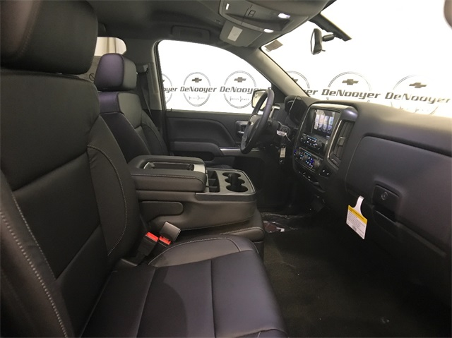 2018 Silverado 1500 Double Cab 4x4, Pickup #T181040 - photo 19