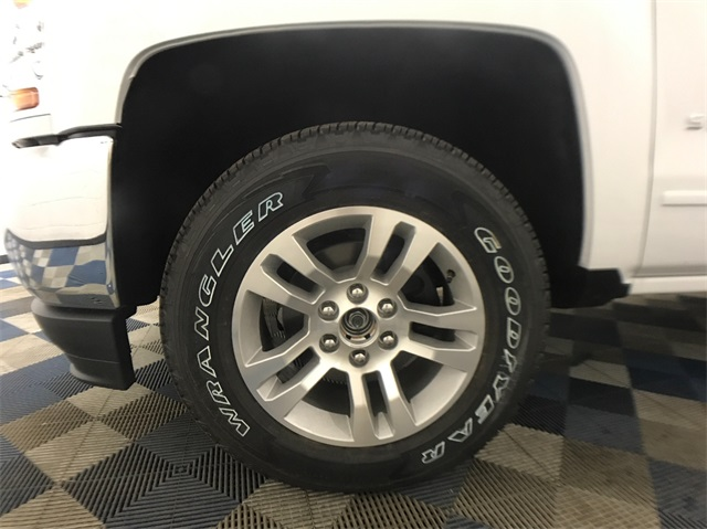 2018 Silverado 1500 Double Cab 4x4, Pickup #T181040 - photo 5