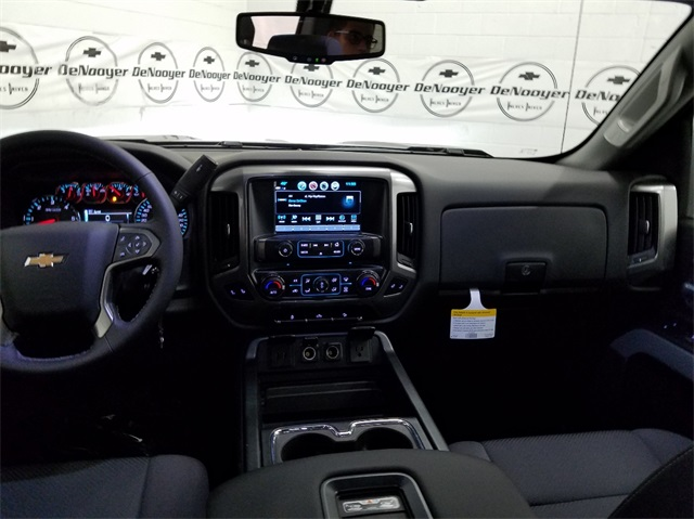 2018 Silverado 1500 Double Cab 4x4, Pickup #T181097 - photo 19