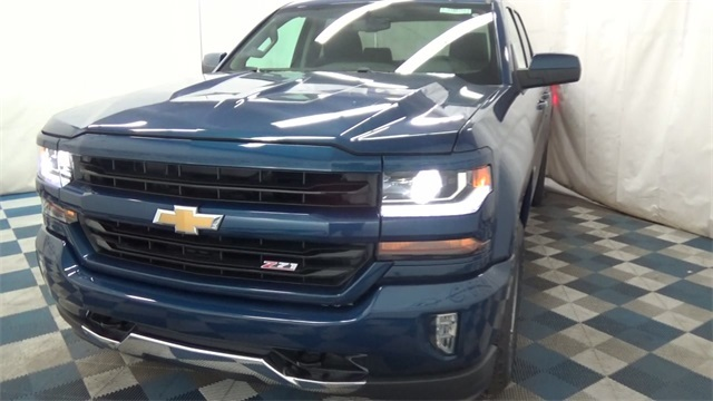 2018 Silverado 1500 Double Cab 4x4, Pickup #T181097 - photo 4