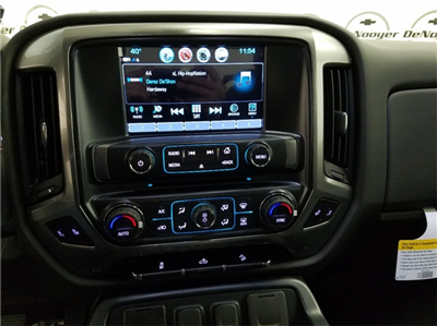 2018 Silverado 1500 Double Cab 4x4, Pickup #T181097 - photo 16