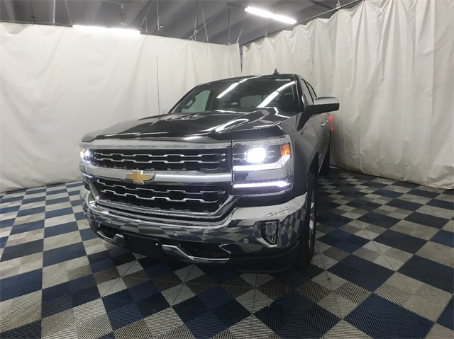 2018 Silverado 1500 Crew Cab 4x4, Pickup #T181312 - photo 3
