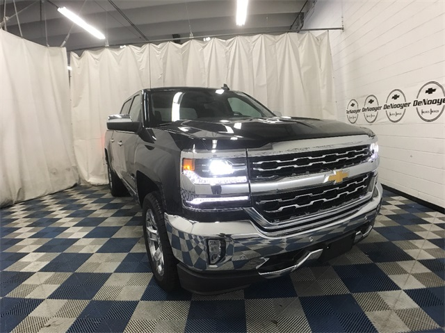 2018 Silverado 1500 Crew Cab 4x4, Pickup #T181313 - photo 3