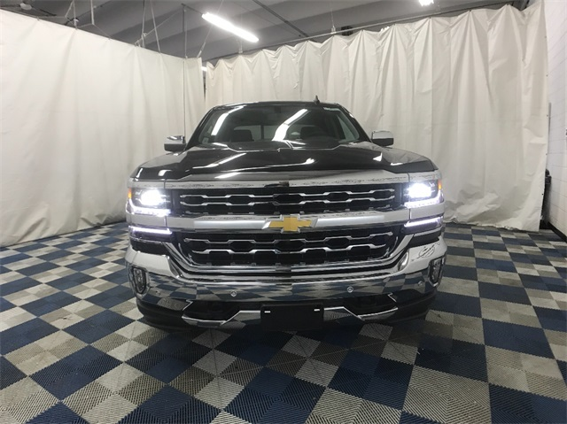 2018 Silverado 1500 Crew Cab 4x4, Pickup #T181313 - photo 4