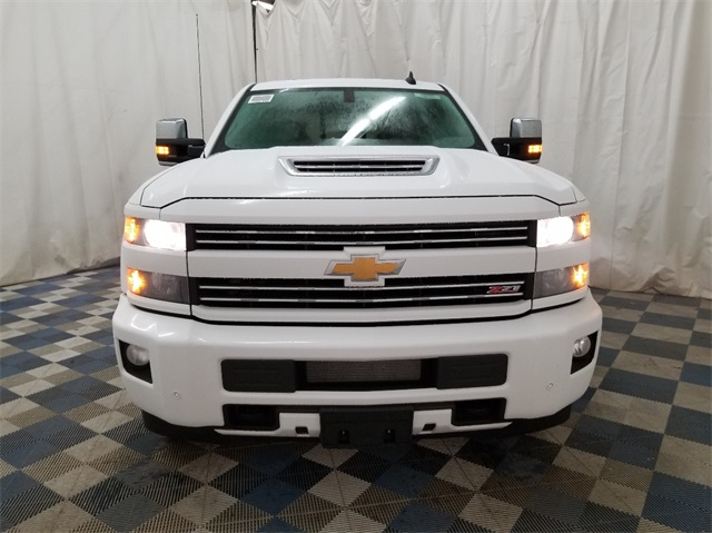 2018 Silverado 3500 Crew Cab 4x4, Pickup #T181457 - photo 3