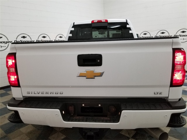 2018 Silverado 3500 Crew Cab 4x4, Pickup #T181457 - photo 6