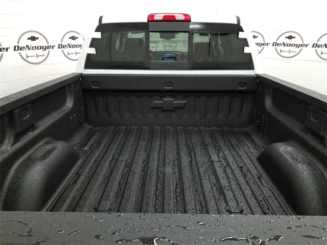 2018 Silverado 3500 Crew Cab 4x4, Pickup #T181457 - photo 7