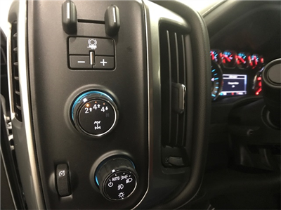 2018 Silverado 3500 Crew Cab 4x4, Pickup #T181457 - photo 12