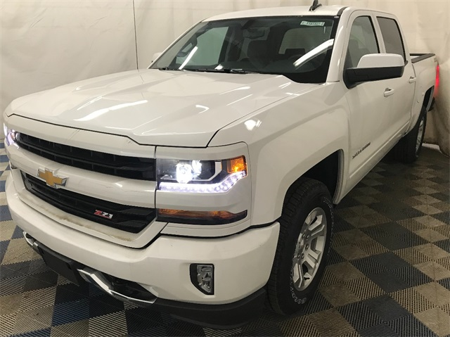 2018 Silverado 1500 Crew Cab 4x4,  Pickup #T181621 - photo 4