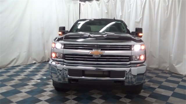 2018 Silverado 2500 Crew Cab 4x4,  Pickup #T181685 - photo 3