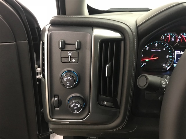 2018 Silverado 1500 Crew Cab 4x4,  Pickup #T181691 - photo 10