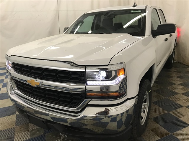 2018 Silverado 1500 Double Cab 4x4,  Pickup #T181824 - photo 4