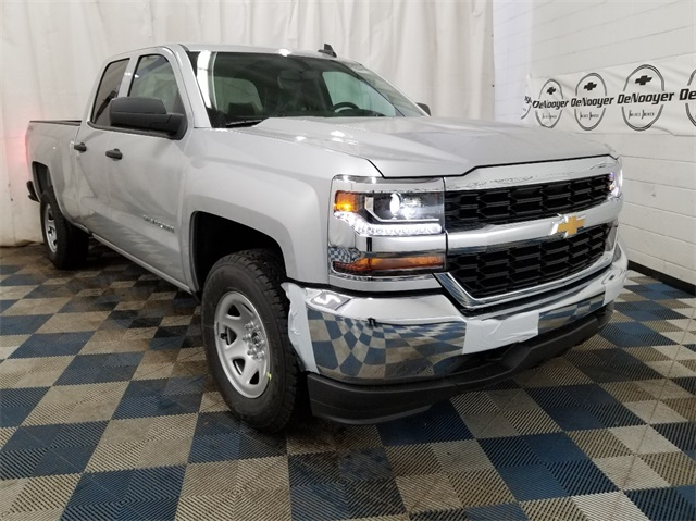 2018 Silverado 1500 Double Cab 4x4,  Pickup #T181852 - photo 1