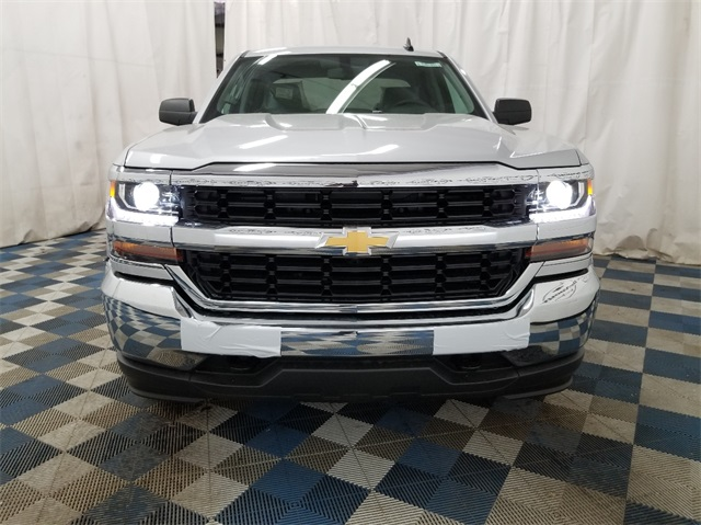 2018 Silverado 1500 Double Cab 4x4,  Pickup #T181852 - photo 4