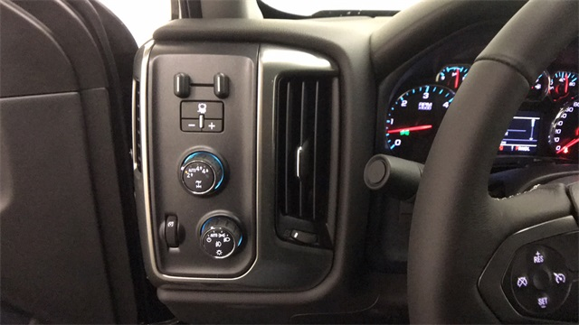 2018 Silverado 1500 Double Cab 4x4,  Pickup #T182041 - photo 10