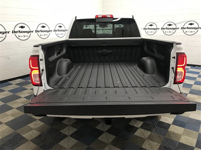 2018 Silverado 1500 Crew Cab 4x4,  Pickup #T182105 - photo 9