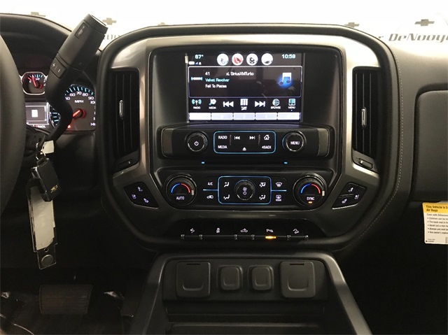 2018 Silverado 1500 Crew Cab 4x4,  Pickup #T182126 - photo 13